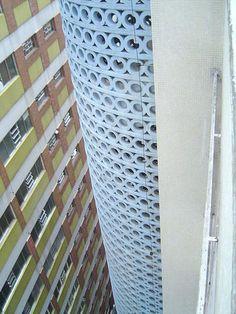 Escadaria do Edifício Cinderela by João Artacho Jurado