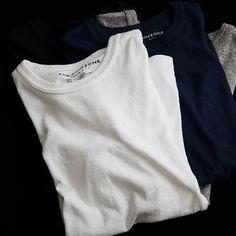 The seamless body makes this T shirt something I love to LIVE IN!  Totally to die for!    「Shinzone」(シンゾーン)のWEB STOREです。ショップコンセプトは「デニムに合う上品なカジュアル。」リアルクローズでありながら、上品なアイテムをミックスした華のあるスタイルを提案します。