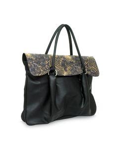 Smoothy Lisa Black - A versatile black bag by Baggit