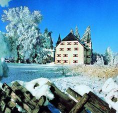 Schloss Prielau Hotel & Restaurant - Room Reservations - HolidayRentClub.com