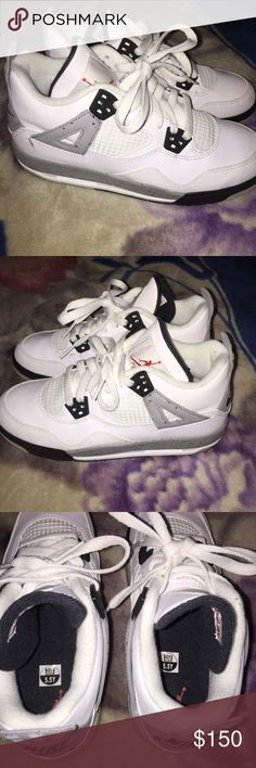 UNWORN Air Jordan 4 retro 5.5Y Big kids GS WHITE Unworn without box,tiny bit of dirt in bottoms from being tried on,size 5.5 Youth big kids/grade school, white cement retro 4 sneakers , 836016-192. Air Jordan Shoes Sneakers