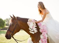 This Is What I want to do for my wedding pics! So Pretty!
