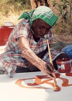 "Emily Kame Kngwarreye ""is one of the most prominent and successful artists in the history of contemporary Indigenous Australian art."" Artist at work Native Art, Australian Artists, Aboriginal Artists, Artist Inspiration, Artist At Work, Australian Art, Artist, Culture Art, Gifts For An Artist"
