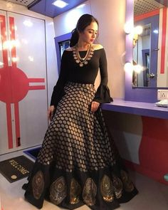 What a lovely black lehenga Lehenga Designs, Kurti Designs Party Wear, Saree Blouse Designs, Golden Blouse Designs, Designer Party Wear Dresses, Indian Designer Outfits, Ladies Gown Party Wear, Indian Attire, Indian Outfits