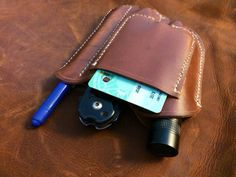 EDC Pocket organizer leather sheath by BushgearLeatherworks Belt Holder, Edc Gadgets, Types Of Knives, Pocket Organizer, Survival Prepping, Survival Gear, Edc Gear, Leather Projects, Folding Knives
