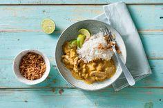 Deze Indonesische stoofpotje: kip in rendangsaus, is inmiddels over de hele wereld bekend. Wij snappen wel waarom! - Recept - Allerhande