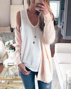 Spring outfits for ideas and scholl and korean. Spring Fashion spring outfit idea: peachy pink cardigan Source by laureenrnd Moda Outfits, Dress Outfits, Casual Outfits, Fashion Outfits, Spring Outfits Women Casual, Fashion Trends, Moda Chic, Moda Boho, Fashion Moda
