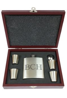 Laser Engraved Flask Set, Weddings Gift, Bridesmade Gift, Groomsmen Gift, Mens Gift, Bestman Gift, Grooms Gift, Wedding Party Gift, Favor. by ilpgiftshop. Explore more products on http://ilpgiftshop.etsy.com