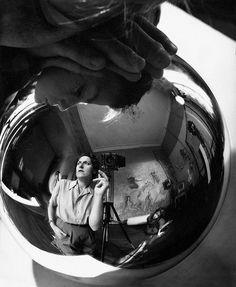 Self Portrait, 1947 by Annemarie Heinrich on Curiator, the world's biggest collaborative art collection. Grimm, Eugene Richards, Helen Levitt, Robert Frank, American Ballet Theatre, Argentine, Saul Leiter, Portraits, Collaborative Art
