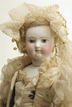 273: Rare Huret Fashion Lady on Kid Body : Lot 273