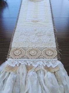 Shabby chic wedding dress lace table runners 23 Ideas for 2019 Shabby Chic Mirror Diy, Mesas Shabby Chic, Cumpleaños Shabby Chic, Cortinas Shabby Chic, Shabby Chic Wall Decor, Shabby Chic Curtains, Shabby Chic Cards, Shabby Chic Wedding Dresses, Dress Wedding