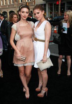 Kate and Rooney Mara #sisters #familyfashion