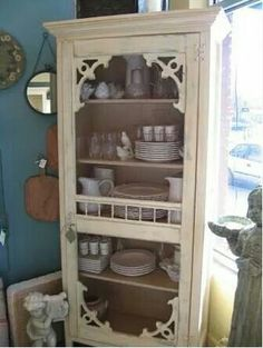 This is a perfect china cabinet for a vintage style house. Repurposed screen door set ontop of old cabinet. Furniture Projects, Furniture Makeover, Home Projects, Diy Furniture, Furniture Dolly, Furniture Storage, Shabby Chic Furniture, Rustic Furniture, Vintage Furniture