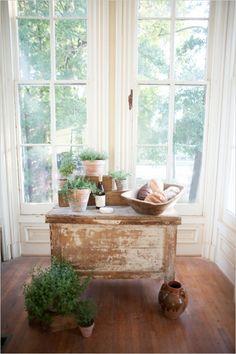#rustic #farm #table #plants #green #refurnish