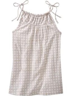 could I make this using the pillowcase dress pattern?  Only smaller? hmmmm......