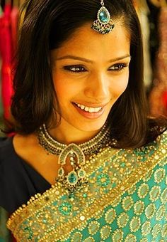 Freida Pinto- in indian garb...