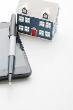 The Arsenal of Apps You Need to Find Your New Home | HomeFinder Opening Doors Blog #homebuying #realestate #technology