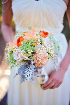 Pretty Bouquet|Up and Away|Travel Themed Wedding Inspiration|Photographer: Arina B Photography