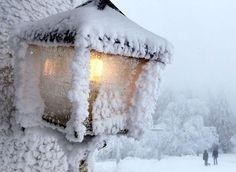 Snowy Lantern - Gorgeous !