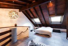 Beautiful exposed beams and tiled floor in attic bedroom - homeyou ideas #interiordesign #homedecor #bedroom #ValentinesDay
