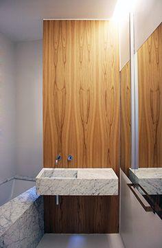 Mirando al Norte | RÄL167 - Interiorismo, decoración, reforma y diseño de interiores Armoire, Bathrooms, Furniture, Home Decor, Righteousness, Norte, Interior Design, Flats