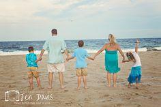 Family shoot at the beach, clothing for beach shoot, family poses