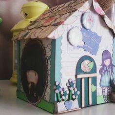 Casitas de cartòn muy originales para decorar habitaciones infantiles.