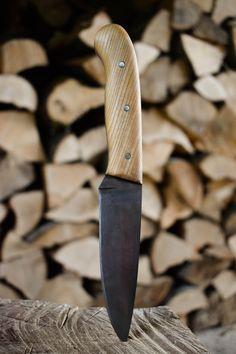 Handmade Knife by matcheslv on DeviantArt Forging Knives, Bushcraft Knives, Bushcraft Kit, Forged Knife, Pocket Knife Brands, Best Pocket Knife, Knife Handle Making, Knife Making, Diy Knife Handle