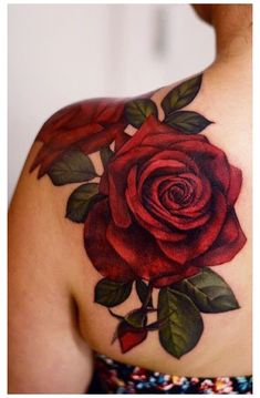 Rose Tattoo Cover Up, Rose Tattoo On Back, Back Of Shoulder Tattoo, Shoulder Tattoos For Women, Flower Tattoo Shoulder, Back Tattoo, Tattoo Neck, Rosen Tattoo Bunt, Rosen Tattoos