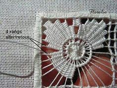 Les Jour Cilaos ~ step-by-step photo tutorial of two different square drawn thread filling patterns (in French) ~ by Dentelle et Broderie Venez profitez de la Réunion ! Hardanger Embroidery, Ribbon Embroidery, Cross Stitch Embroidery, Embroidery Patterns, Embroidery Design, Needlepoint Stitches, Needlework, Teneriffe, Drawn Thread
