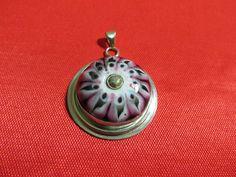 Gümüş kolye ucu - Silver pendant;         Taşı cam boncuk tekniği ile Ebru Öztürk İLERİ üretimi - Stone is from Ebru Öztürk İLERİ with glass beads technique.