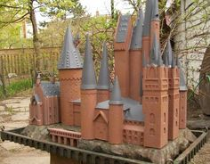 Hogwarts Castle Birdfeeder - HOME SWEET HOME - Knitting, sewing, crochet, tutorials, children crafts, papercraft, jewlery, needlework, swaps, cooking and so much more on Craftster.org