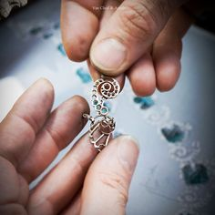 Creating jewels made by hands