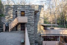 Architecture Images, Minimalist Architecture, Beautiful Architecture, Great Buildings And Structures, Modern Buildings, Falling Water House, Falling Waters, Falling Water Frank Lloyd Wright, Frank Lloyd Wright Buildings