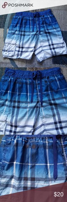 """Arizona Jeans Swim Trunks Size XXL Board Shorts Arizona Jeans Swim Trunks Size XXL Board Shorts Blue Ombre Waist: 38"""" Inseam: 10.5"""" Condition: clean, No holes, rips or pilling Add'l Notes: LOC ID: BJ8  Buy Now, Like, or """"Add to Bundle"""" to Receive a Private Offer. Bundle 3+ Items You Love for an Automatic 15% Off Discount!  We enjoy giving excellent Service, +Communication, and shipping your purchase the same day or next business day, so you receive your items as quickly as possible. Thank…"""