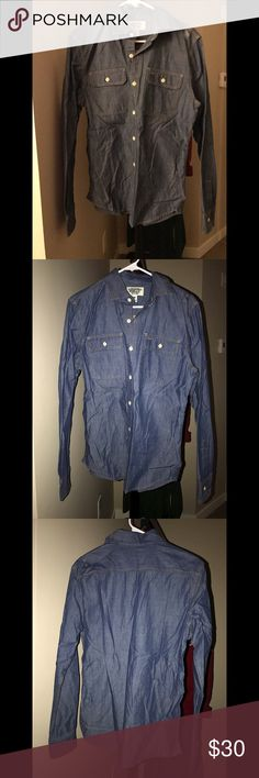 California Dream jean casual soft long sleeve NO TRADES 🙅🏻 ALL REASONABLE OFFERS ARE ACCEPTED 😊👍🏽 NO LOWBALLERS!!! 😒✌🏽️✌🏽 LET'S BUNDLE!!!! 🎋🎉🎁🎊🎈 California Dream WHO.A.U Shirts Casual Button Down Shirts