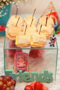 mini sanduichinhos para festa do pijama #marianacyrnefesteira