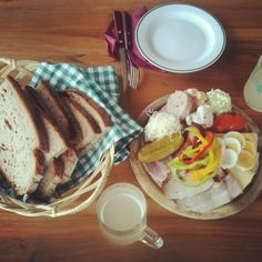 """Take a break and have a typical Austrian snack, called """"Brettljause""""  #feelaustria"""