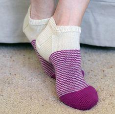 Ravelry: Vertigo Socks pattern by Jo-Anne Klim Knitted Slippers, Knit Mittens, Knitting Socks, Knit Socks, Free Knitting, Loom Knitting Patterns, Knitting Stitches, Knitting Tutorials, Knitting Machine