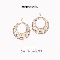 Orecchini in metallo con bagno in oro rosa e cristalli bianchi Luca Barra Gioielli. #orecchini #donna #lucabarragioielli #ororosa #fashion #style