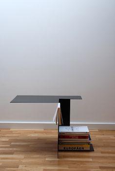Edge Table at Paris Design Week Design Furniture, Table Furniture, Home Furniture, Modern Furniture, Design Tisch, Luminaire Design, Espace Design, Petites Tables, Inspiration Design