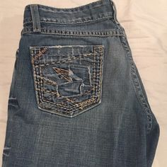 BKE STAR jeans! BKE STAR jeans! Size 28 with 31 1/2 inseam! Just a little wear on the ends but other than that in great condition! These are in between boot cut and flare! BKE Jeans