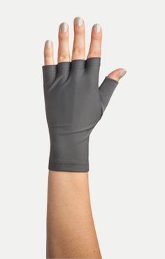 We offer fashionable sun protection gloves, fingerless gloves, and sleeves with broad spectrum SPF 30+ protection from the sun's UVA and UVB rays. Available in an array of comfortable solid and chic patterns.