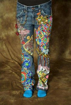 Hippie Pants by EWENDT on Etsy YEP. This is kinda what some jeans looked like in the and Hippie Hose, Hippie Jeans, Patchwork Jeans, Painted Jeans, Painted Clothes, Diy Jeans, Moda Jeans, Denim Art, Diy Kleidung