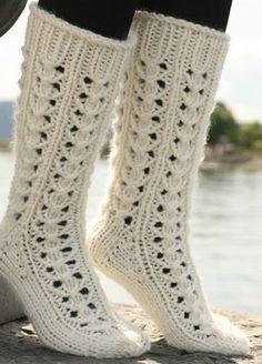 """Ravelry: Long socks in """"Eskimo"""" with lace pattern pattern by DROPS design Lace Socks, Crochet Slippers, Boot Socks, Knit Crochet, Tunisian Crochet, Crochet Granny, Lace Knitting, Knitting Socks, Knitting Patterns Free"""