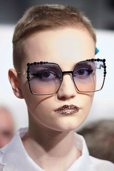 Fendi backstage, Spring 2017 Fashion Eye Glasses, Glitter Lips, Glasses  Frames, Fashion b20c9bb067a2