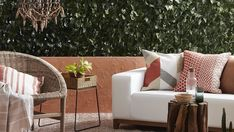 4 ways to cosy up your outdoor entertaining space.
