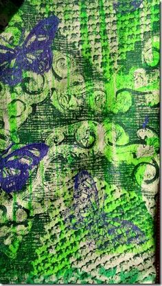 I love me to print my fabrics themselves and then to sew after simple as possible cuts something out of it. narrow the fabric for the pants I had printed on the Gelli Plate. Acrylic paint with textile medium mixed directly on the plate