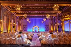 San Francisco California Ballroom Wedding Catherine Hall Studios The Fairmont San Francisco Joannie Liss Events Jane's Roses Monique Lhuillier Traditional Wedding Reception Seating, Wedding Venues, Wedding Ideas, Wedding Ceremony, Mod Wedding, Dream Wedding, Catherine Hall, Fairmont San Francisco, San Francisco Photography