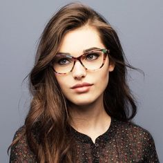 30 Damenbrillen - Home Maintenance - No Make Up - Glasses Frames - Homecoming Hairstyles - Rustic House Cute Glasses, New Glasses, Cat Eye Glasses, Girls With Glasses, Glasses Frames, Eyeglasses For Women, Sunglasses Women, Sunglasses Sale, Sunglasses For Your Face Shape